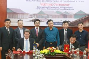 Trải qua năm thiên tai khủng khiếp, Việt Nam nhận viện trợ 2,5 triệu USD