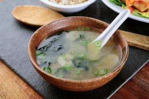 8 thói quen trong ăn uống giúp cho người Nhật sống thọ, bạn có được mấy?
