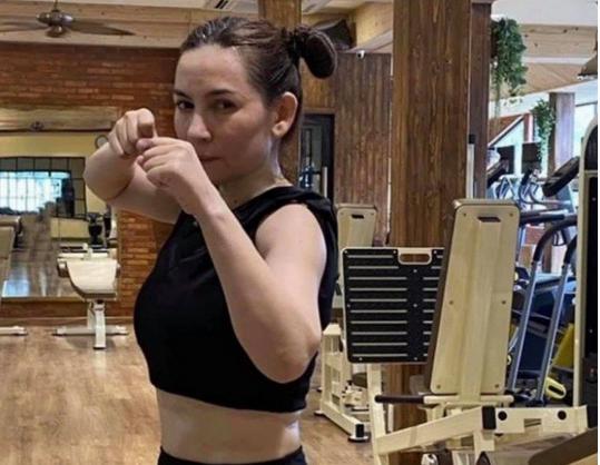 Phi Nhung khoe thành tích giảm 7kg với dáng nuột, cơ thể dẻo dai ở tuổi U50