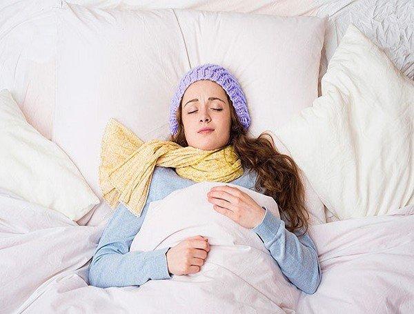 Những thói quen tưởng rất tốt trong mùa đông, nhưng lại tăng nguy cơ gây đột quỵ, nhất là điều thứ 3